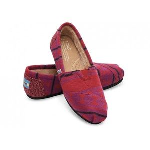 Toms red knit shearling classic shoes